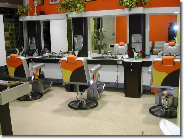Nautica e altro altro poltrone tecniche barbiere for Poltrone da barbiere usate